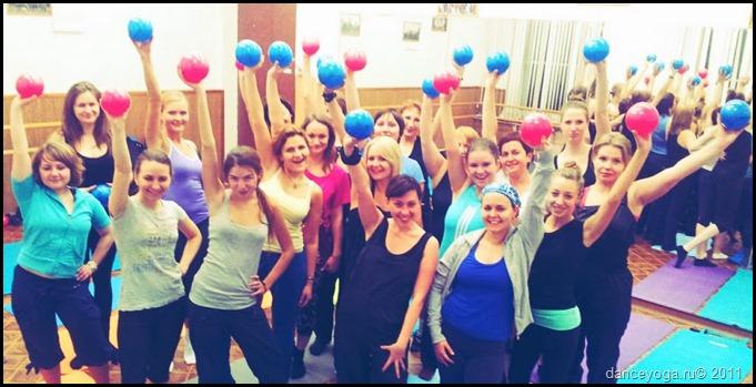 гимнастка для женщин, фитнес для женщин
